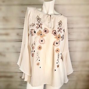 Ivanka Trump pretty flowy embroidered floral top